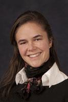 Dr. Fernanda R. Almeida